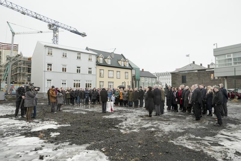 Skoflustunga-tekin-ad-vidbyggingu-vid-Althingishusid-thann-4.-februar-2020_20200204_00014_Photographer.is-Geirix-800x600